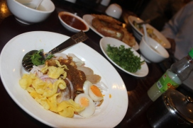 Burmese breakfast at 'Feel'.